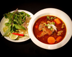 Q4. Beef Stew Noodles Soup w/ Carrot